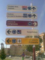 Nuevas indicaciones...¿correctas? Avda Constitución (Albacete)