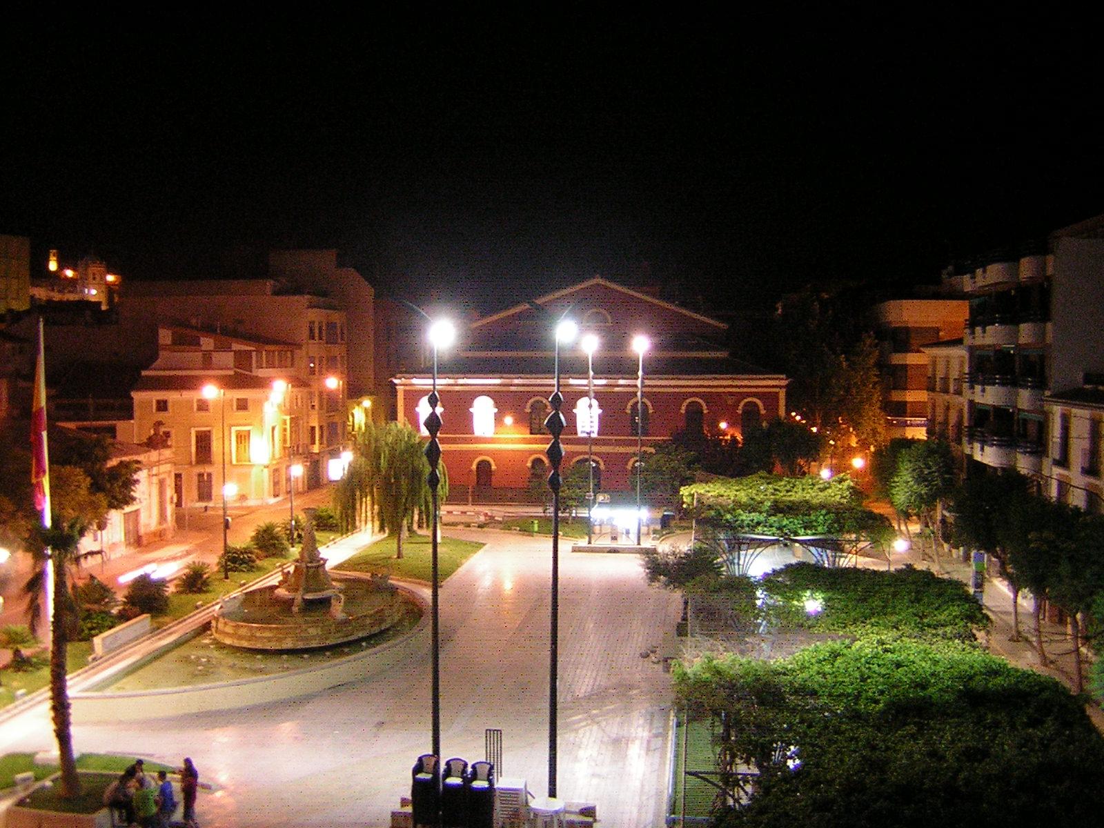Plaza col n lorca fotos de ciudades y pueblos de la for Spa jardines lorca