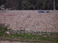 Escombros en la Rambla depositados por el Ayuntamiento (Cartagena)