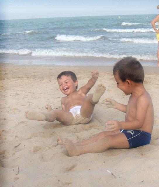 Niños divirtiendose en la Concurso arena | fotos de Concurso la