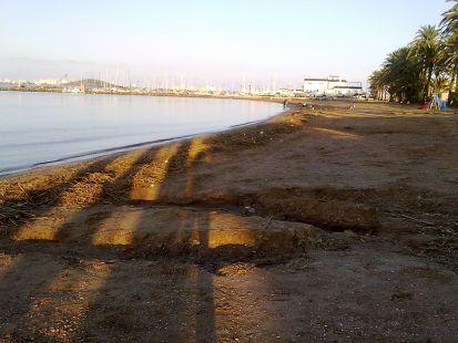 Estado lamentable de la playa de Islas Menores