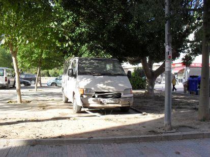 Furgoneta abandonada en Nueva Cartagena