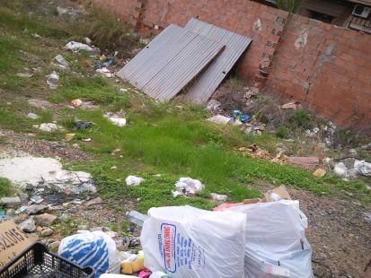 Solares en mal estado en el centro de Cartagena