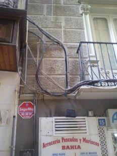 Cables en fachadas