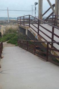 Acceso al puente viejo del tren