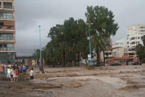 Rambla que desemboca en la Playa de las Delicias