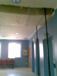 Aspecto del centro salud Sur de Águilas desde las lluvias de agosto de 2010.