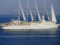 velero, surcando.las aguas del mediterraneo