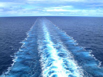 Estela de un barco