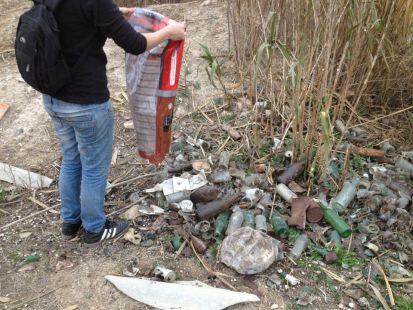 Limpieza ciudadana de los due�os de perros en la ribera del r�o Segura