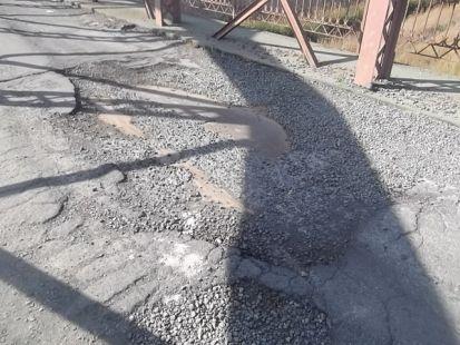 Lamentable acceso al puente viejo de Alquer�as