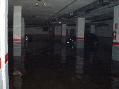 Garaje anegado en Ronda Sur