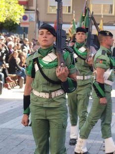 Brigada paracaidista desfilando en Viernes Santo