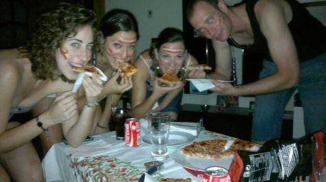 Nos comimos a los italianos