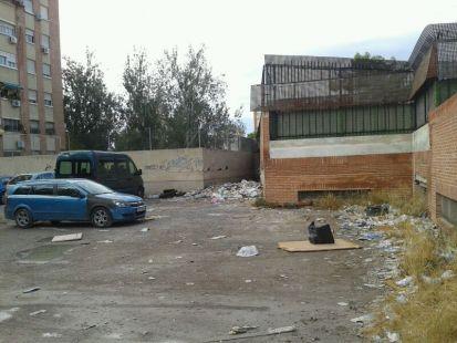 Solar propiedad del Ayuntamiento de Murcia en condicones p�simas de salubridad