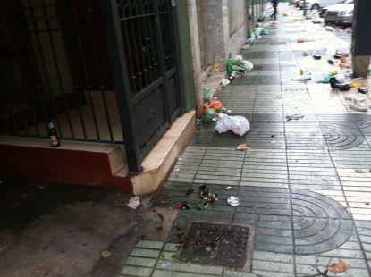 Basura en Navidad (Calle Pr�ncipe de Asturias)