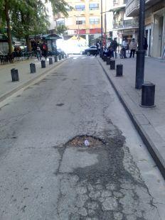 Hueco en plena calle del centro de Murcia