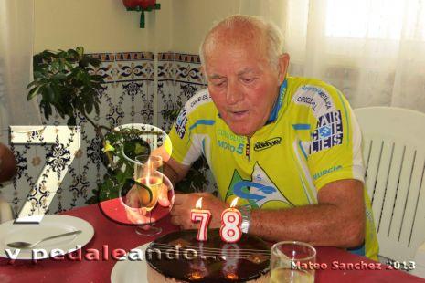 78 a�os y pedaleando...