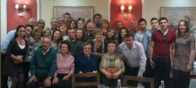 LA FAMILIA GARC�A CELEBRA SU IV COMIDA FAMILIAR